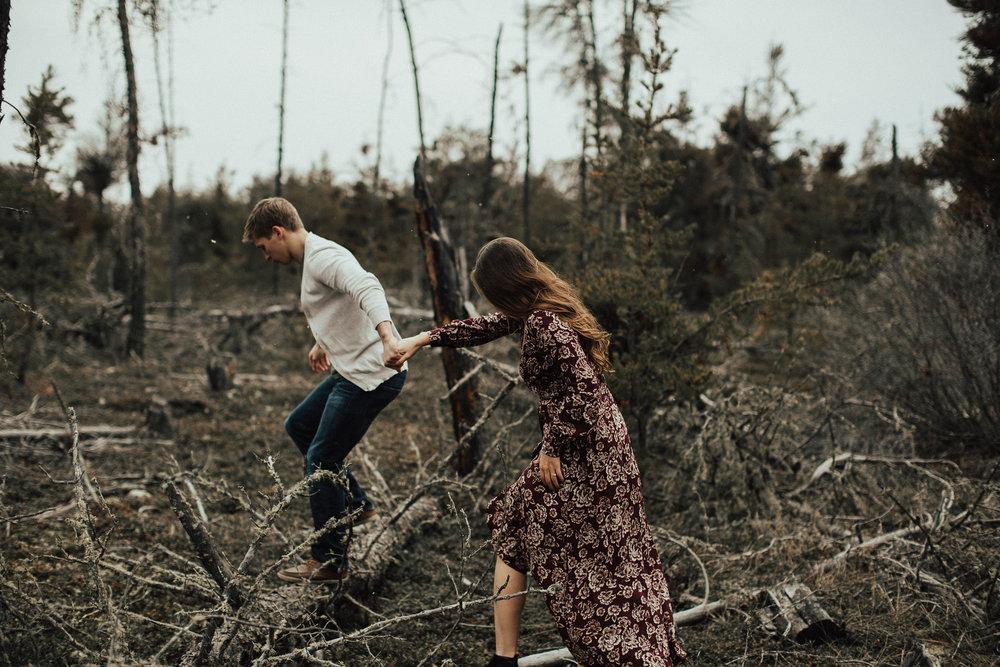 Edmonton Engagement Photographer - Michelle Larmand Photography - Mossy woods engagement session047