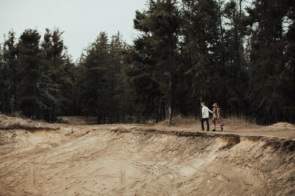 Edmonton Engagement Photographer - Michelle Larmand Photography - Mossy woods engagement session060