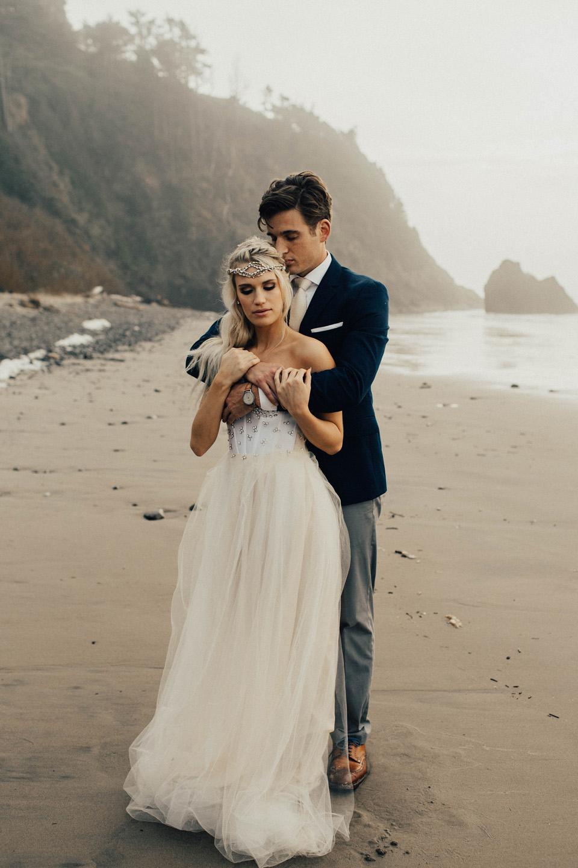 Hug Point Oregon Elopement - Michelle Larmand Photography -015