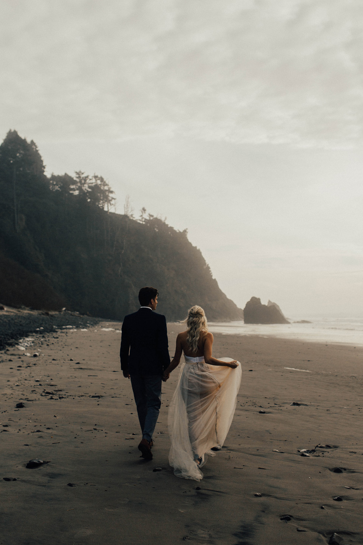 Hug Point Oregon Elopement - Michelle Larmand Photography -016