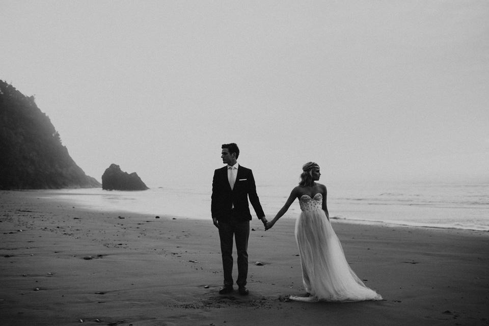 Hug Point Oregon Elopement - Michelle Larmand Photography -018