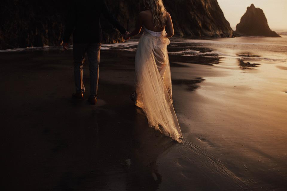 Hug Point Oregon Elopement - Michelle Larmand Photography -047