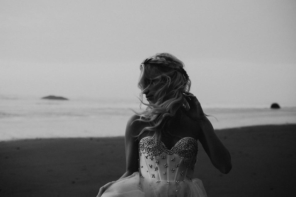 Hug Point Oregon Elopement - Michelle Larmand Photography -059