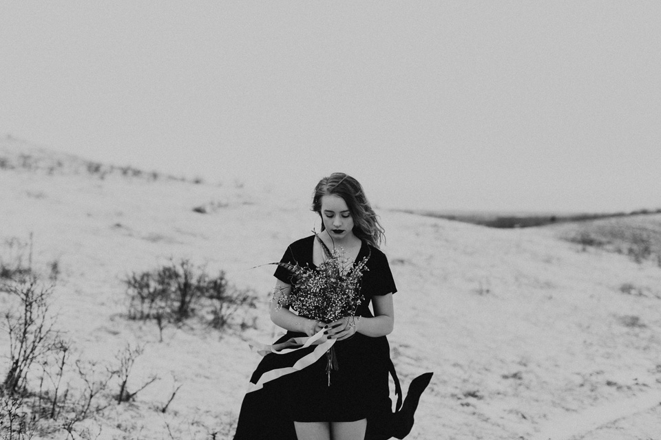Moody Winter Bridals Edmonton Portrait and Wedding Photographer - Michelle Larmand Photography -016