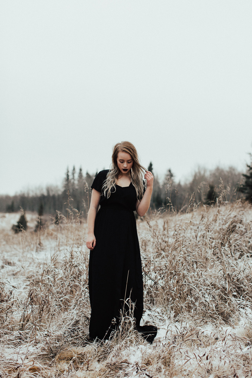 Moody Winter Bridals Edmonton Portrait and Wedding Photographer - Michelle Larmand Photography -044