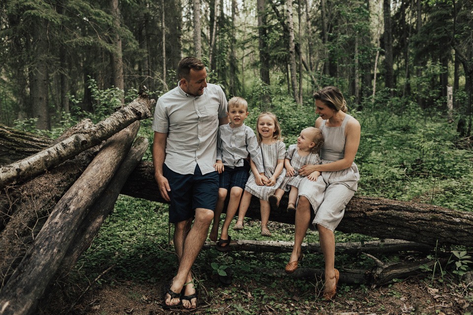 Summer lakeside family session - Michelle Larmand Photography - 033