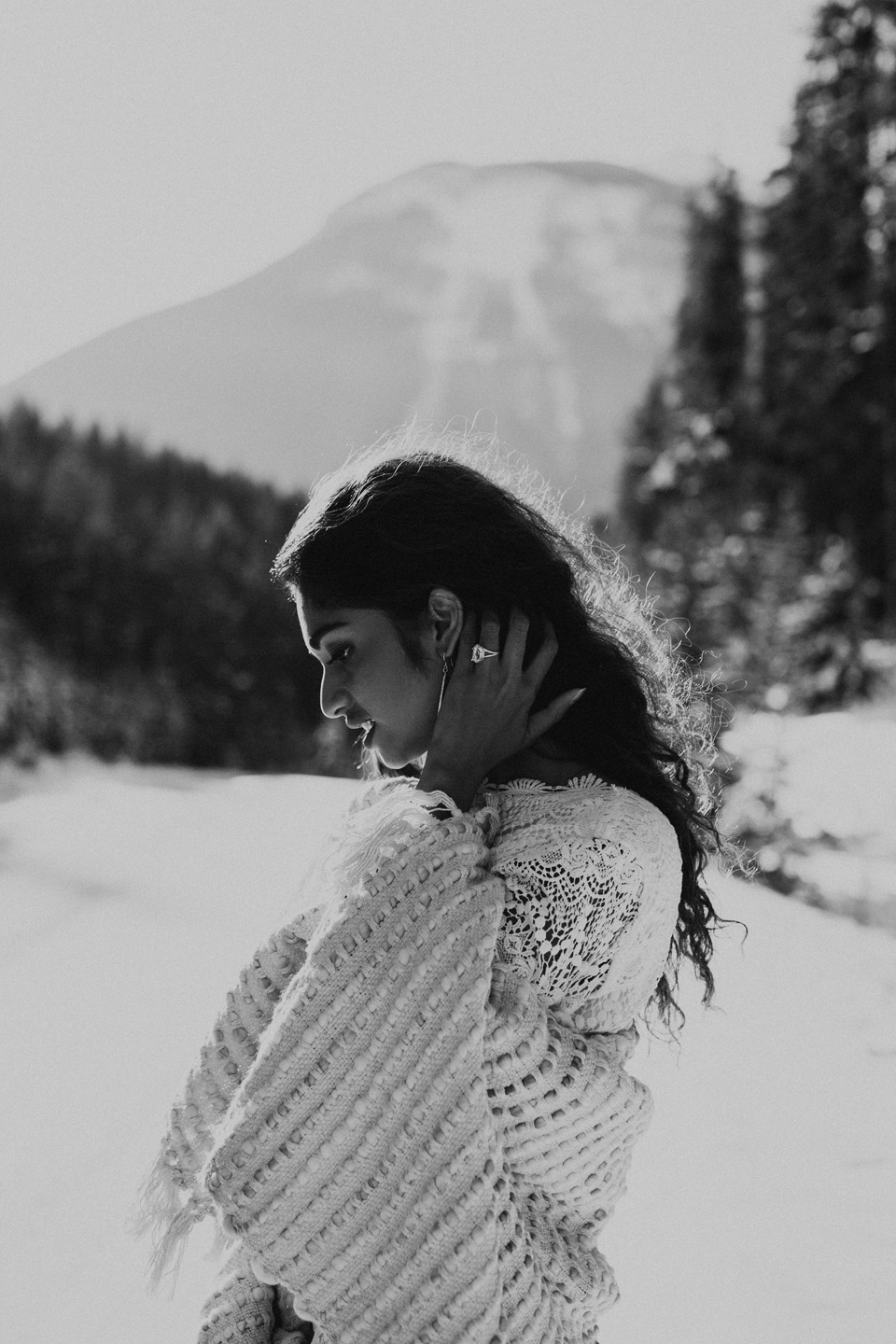 Winter Mountain Bohemain Bridal Inspiration - Michelle Larmand Photography - Banff Wedding Photography -016