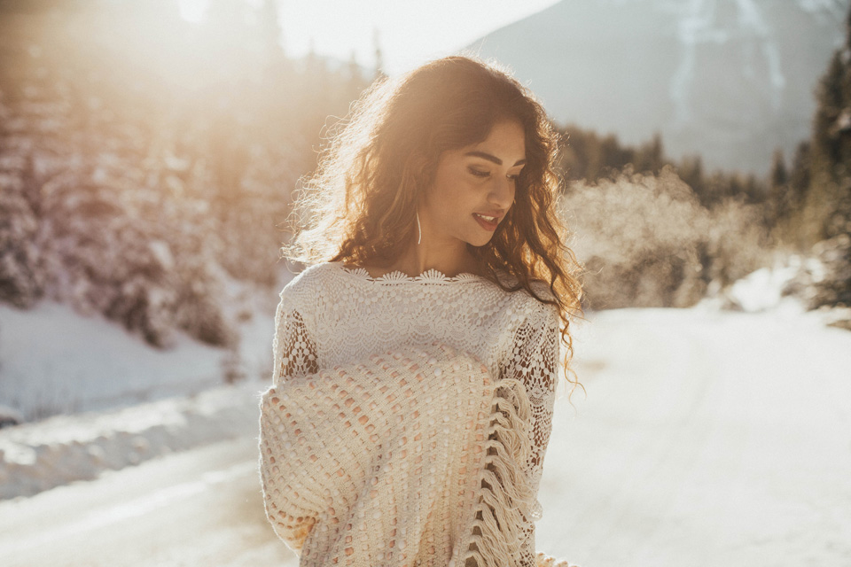 Winter Mountain Bohemain Bridal Inspiration - Michelle Larmand Photography - Banff Wedding Photography -018