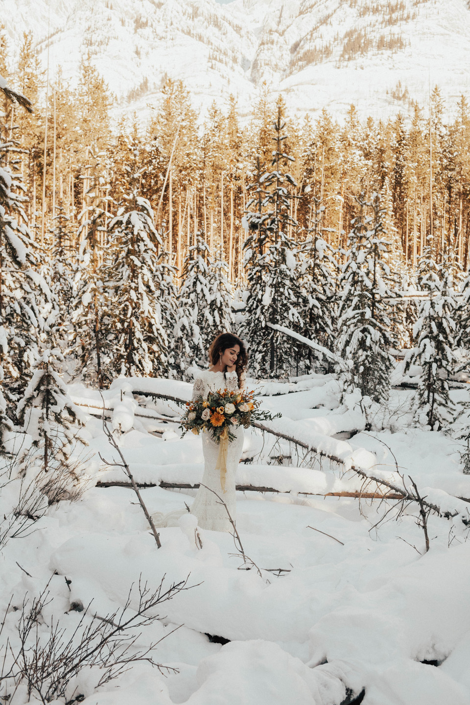 Winter Mountain Bohemain Bridal Inspiration - Michelle Larmand Photography - Banff Wedding Photography -025