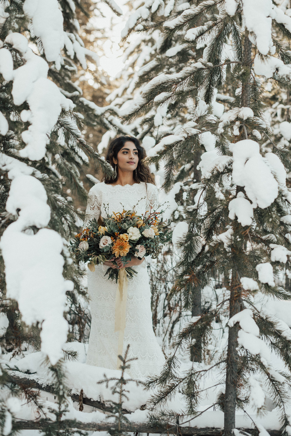 Winter Mountain Bohemain Bridal Inspiration - Michelle Larmand Photography - Banff Wedding Photography -034