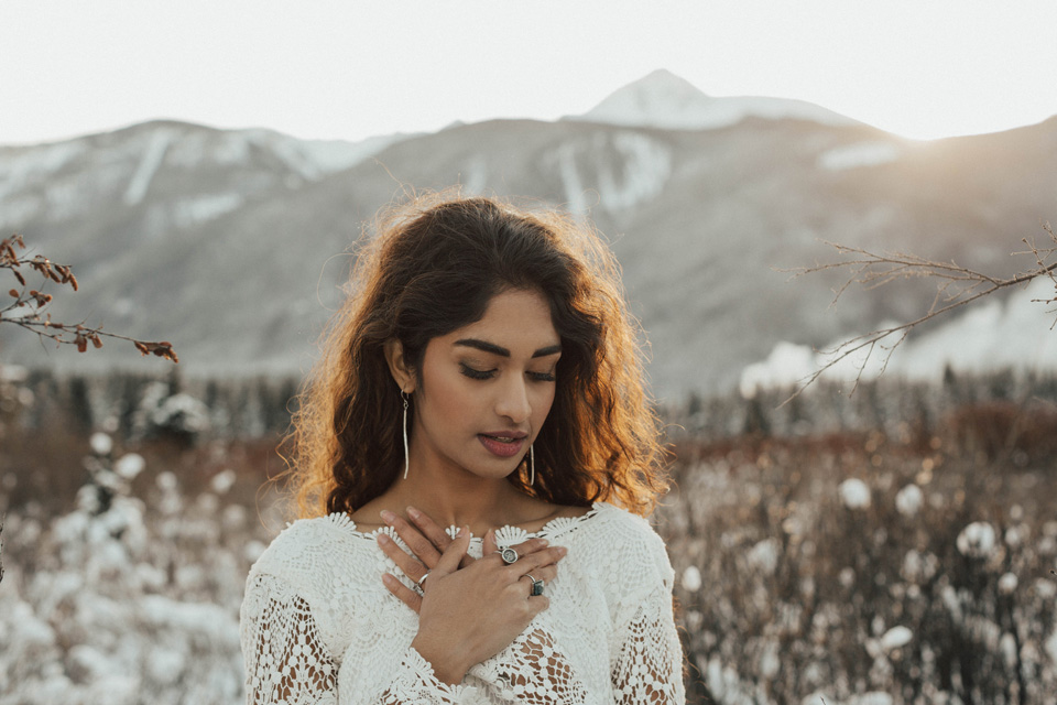 Winter Mountain Bohemain Bridal Inspiration - Michelle Larmand Photography - Banff Wedding Photography -040