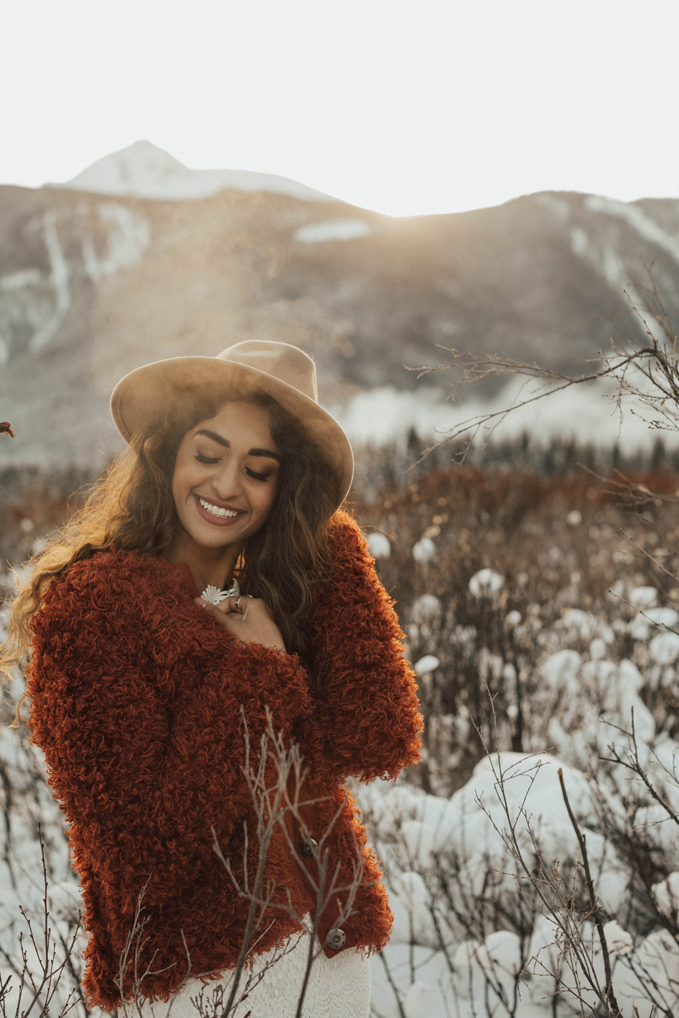 Winter Mountain Bohemain Bridal Inspiration - Michelle Larmand Photography - Banff Wedding Photography -044