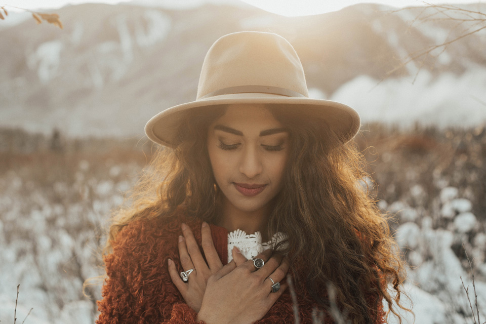 Winter Mountain Bohemain Bridal Inspiration - Michelle Larmand Photography - Banff Wedding Photography -047
