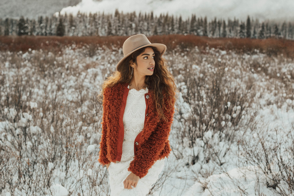 Winter Mountain Bohemain Bridal Inspiration - Michelle Larmand Photography - Banff Wedding Photography -049