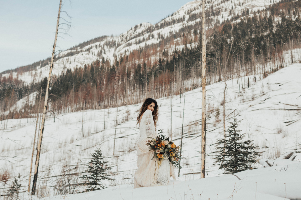 Winter Mountain Bohemain Bridal Inspiration - Michelle Larmand Photography - Banff Wedding Photography -057