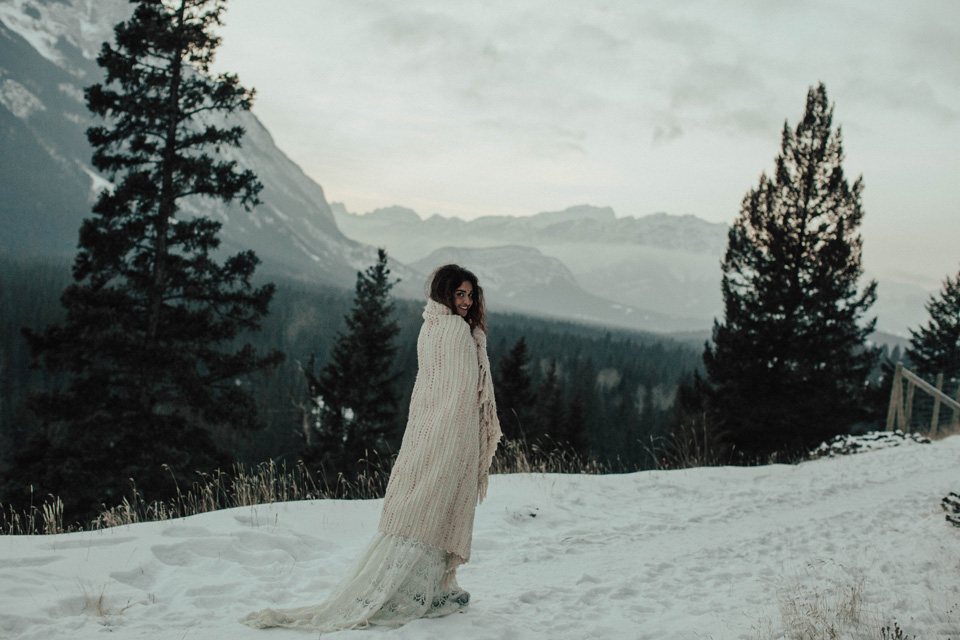 Winter Mountain Bohemain Bridal Inspiration - Michelle Larmand Photography - Banff Wedding Photography -090