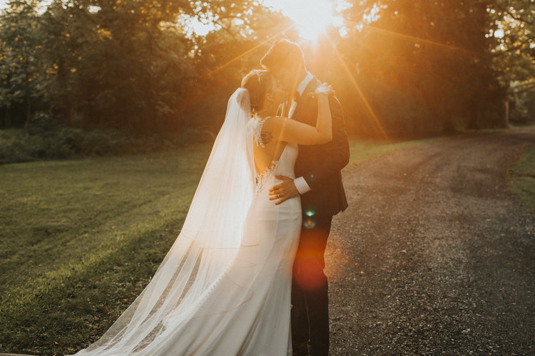 2819a5595d 7 Real Brides Talk About Their Biggest Stresses  amp  How They Found Relief