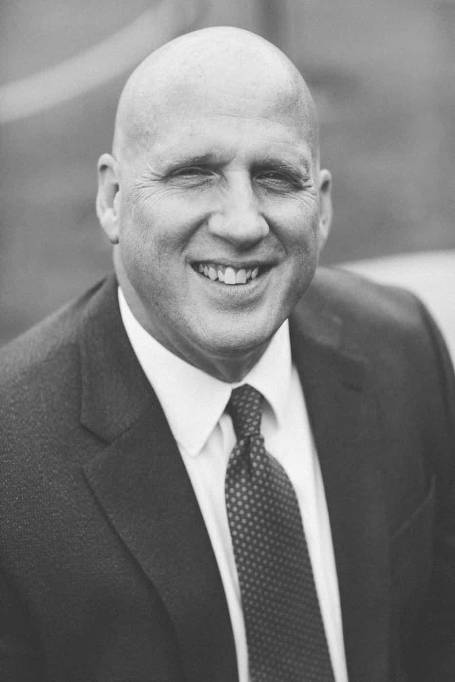 Robb Kensinger - Vice-Presidente