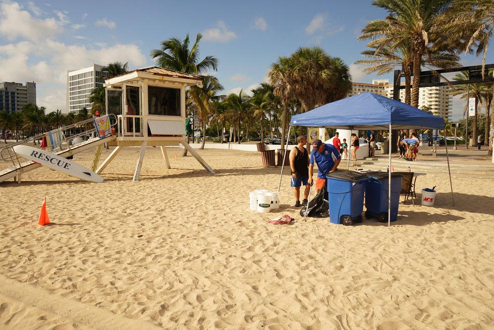 Beach cleanup 2.jpg