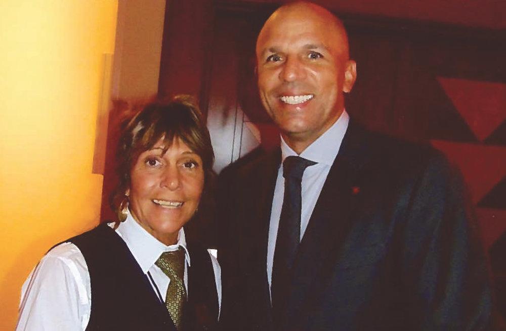 The Mohegan's Sun owner Lisa Carboni joins Hall Of Famer Jason Kidd. (Earl Health photo)