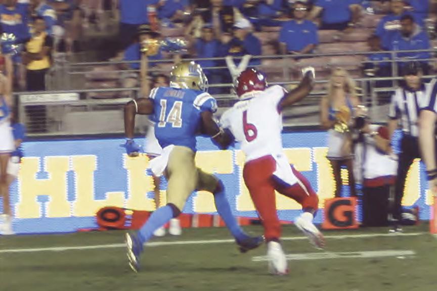 Senior Darnay Holmes returns a kick-off vs Fresno State. (Earl Heath photo)