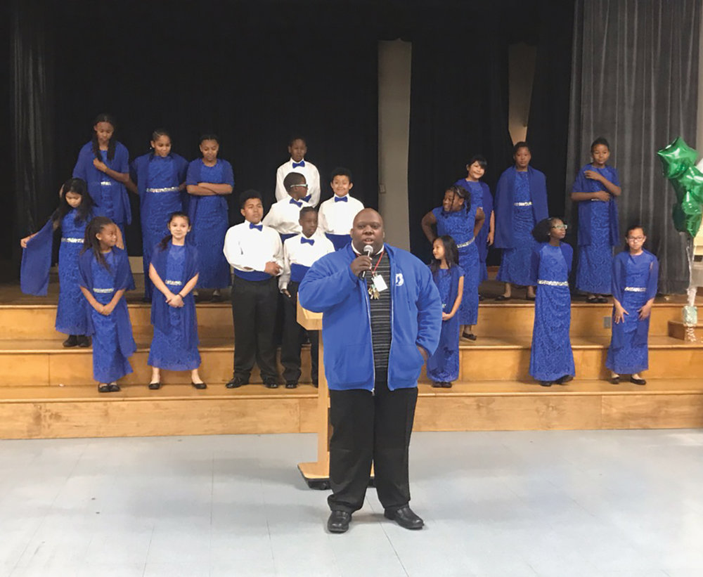 McKinley Elementary School Choir and Director Kenneth Whitchard.