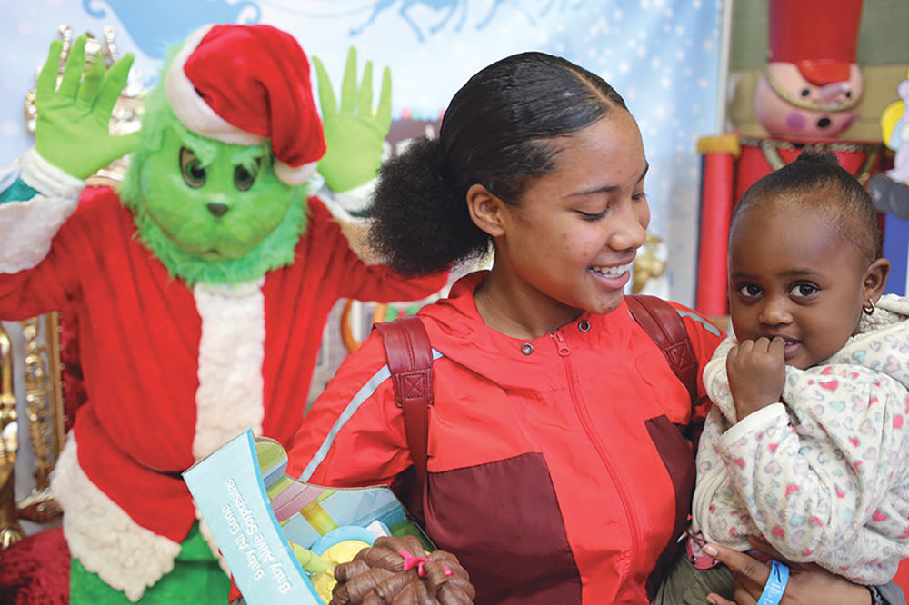 """Best Start Broadway-Manchester and Green Meadows Recreation Hosted """"Winter Wonderland- Resource Fair and Toy Giveaway"""" pic 4.jpg"""