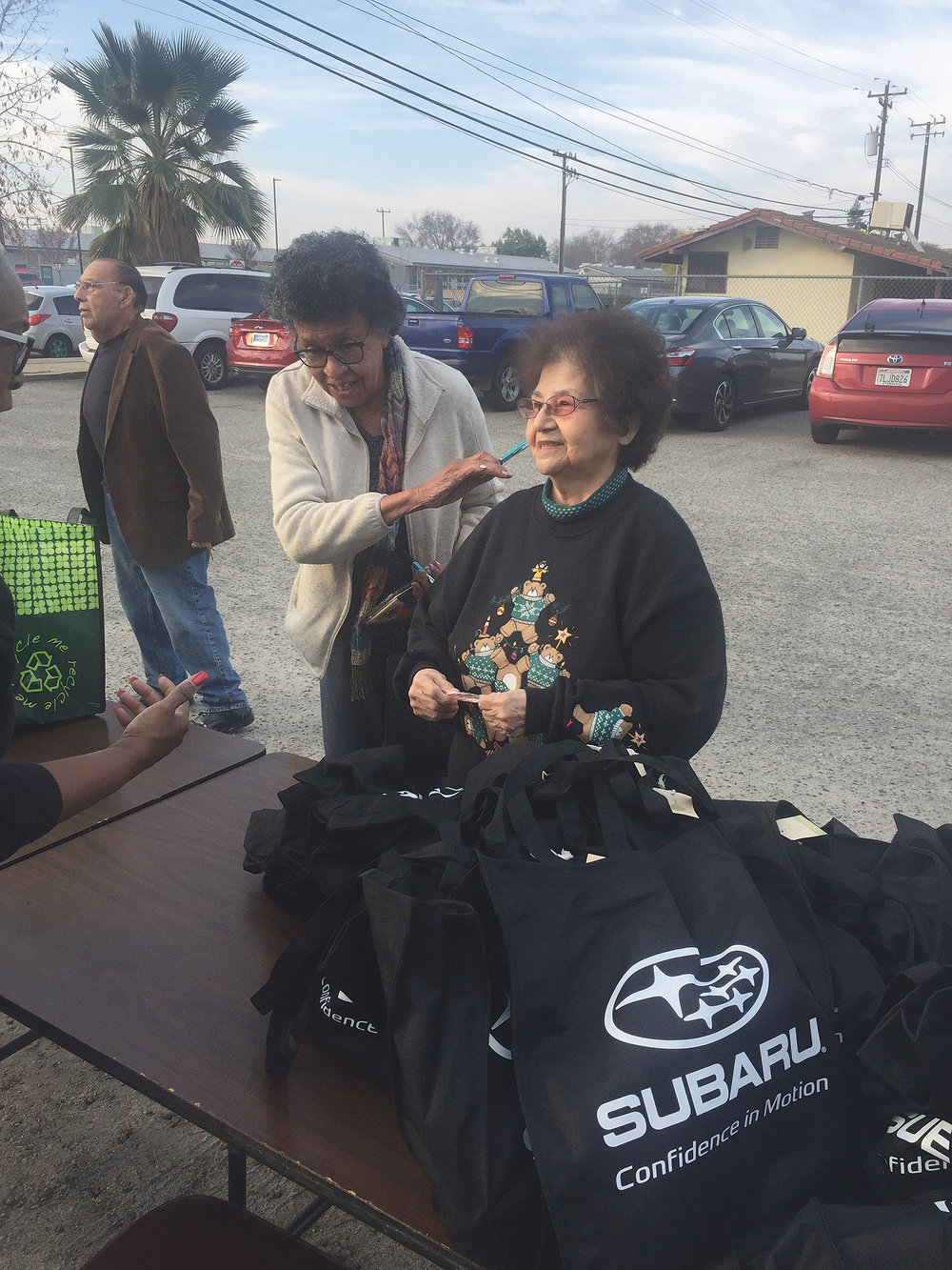 "SUBARU AND THE BAKERSFIELD SENIOR CENTER JOIN TOGETHER FOR ""SUBARU SHARE THE LOVE"" FOOD GIVE-AWAY AND CHRISTMAS GALA pic 3.jpg"