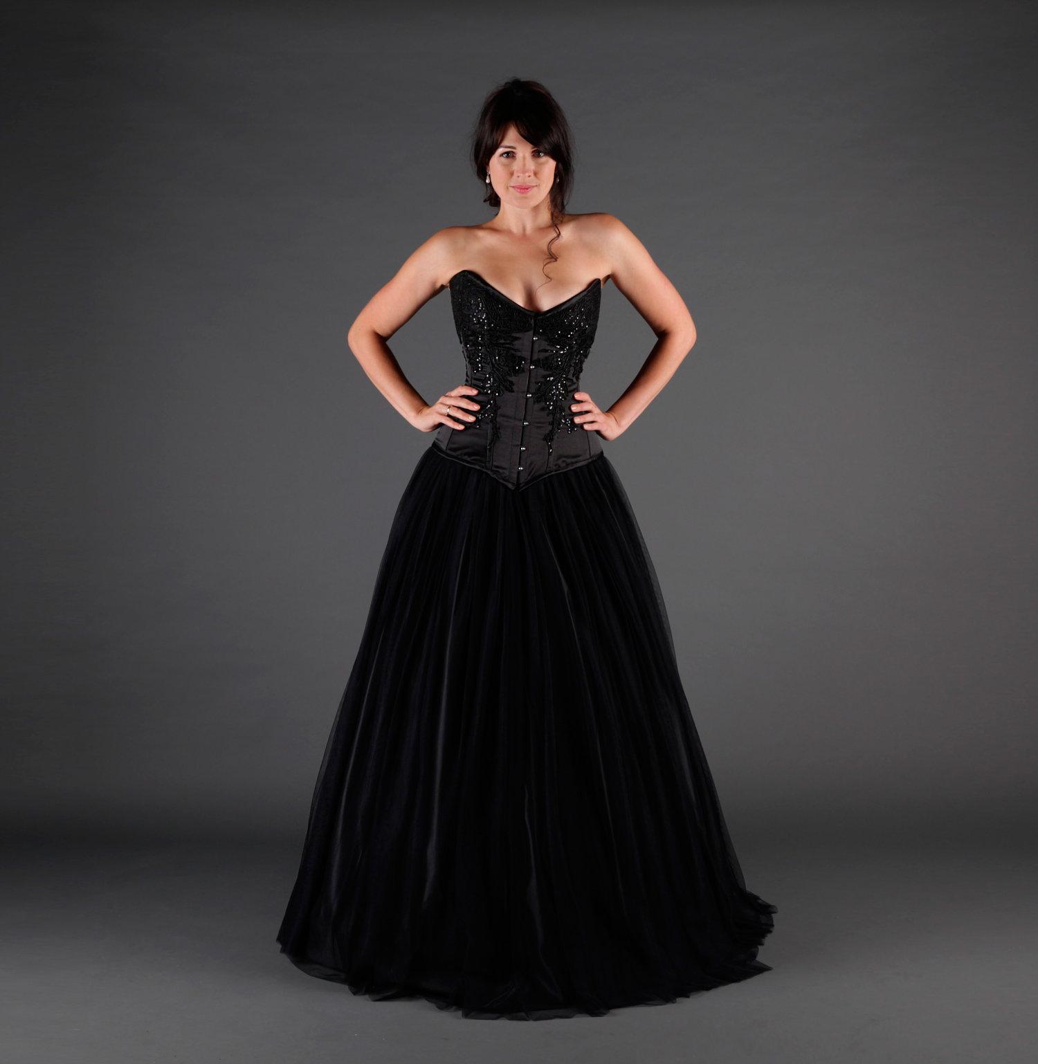 a4f0a19e0f406 QUEEN: Black Wedding Dress — IVORY BLACK