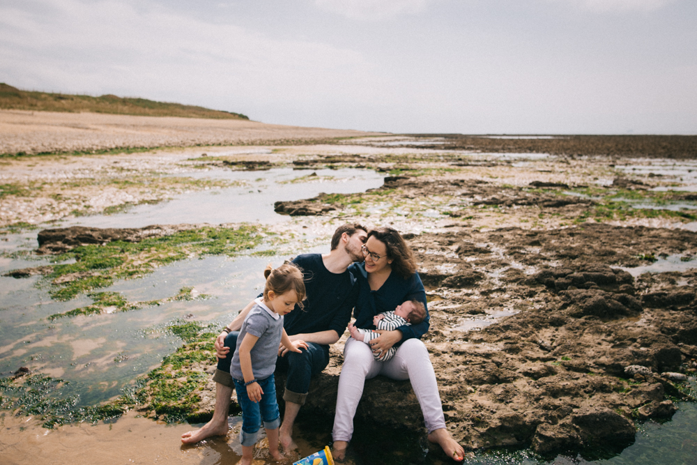 seance-photo-famille-ile-de-re-adeline-este-photographe45.jpg