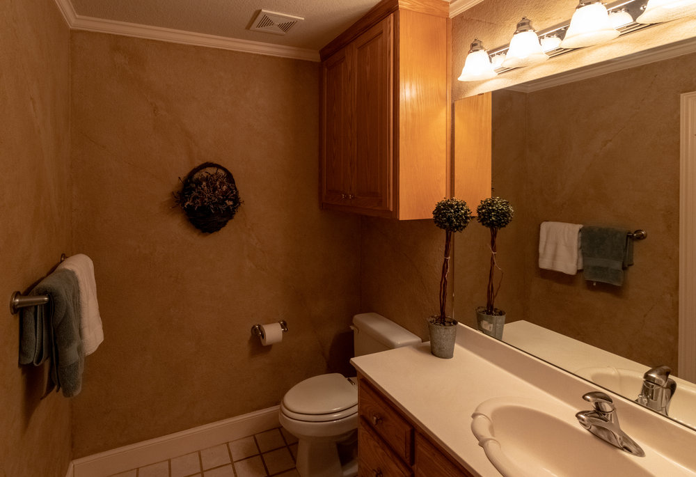 Bathroom 4-2.jpg