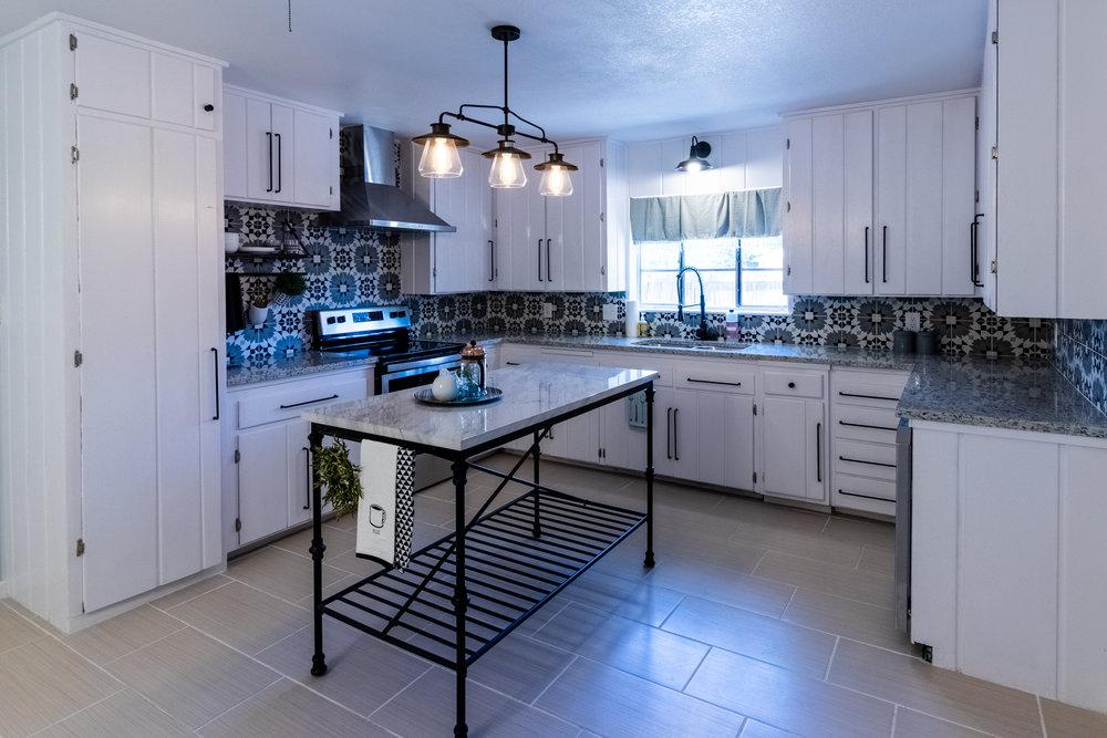 8 - Kitchen 1.jpg