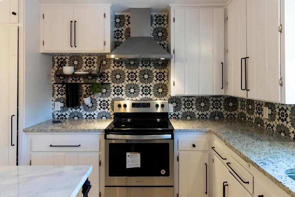 9 - Kitchen 2.jpg