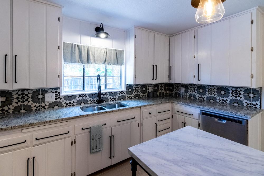 10 - Kitchen 3.jpg
