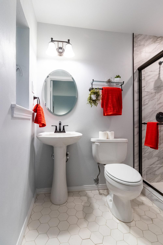 16 - Master Bathroom 1.jpg