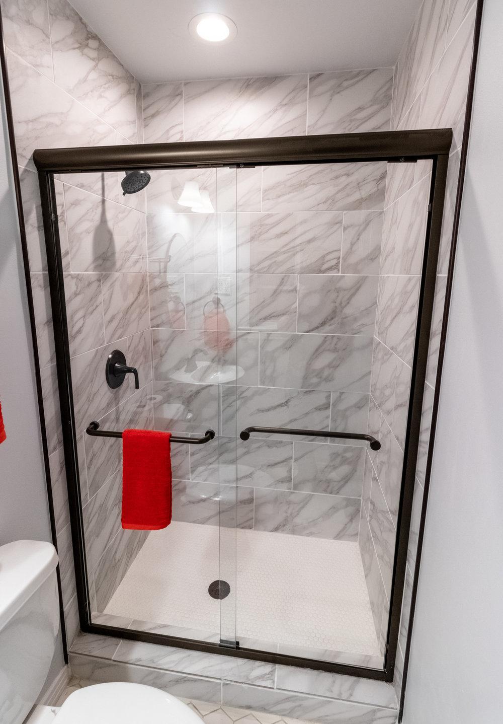 17 - Master Bathroom 2.jpg