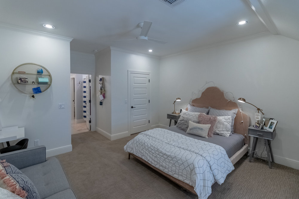 Bedroom 5-3.jpg