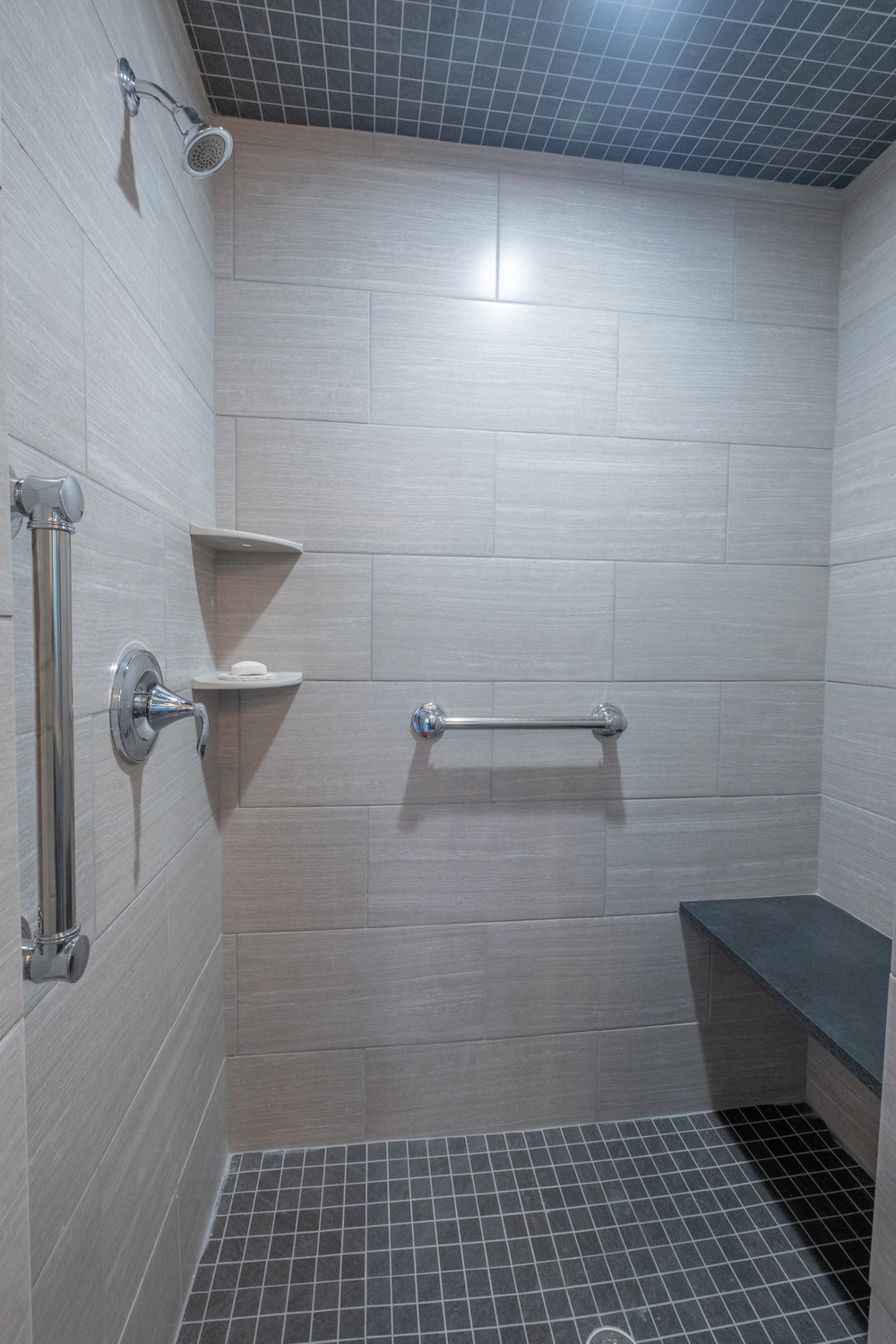 Master Bathroom-6.jpg