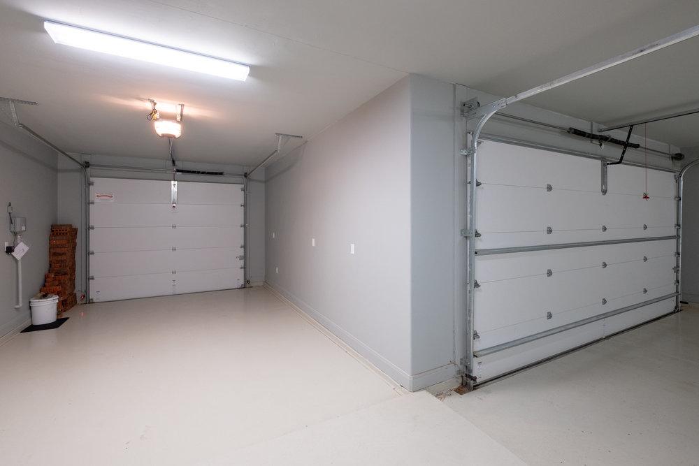 Garage Inside-2.jpg