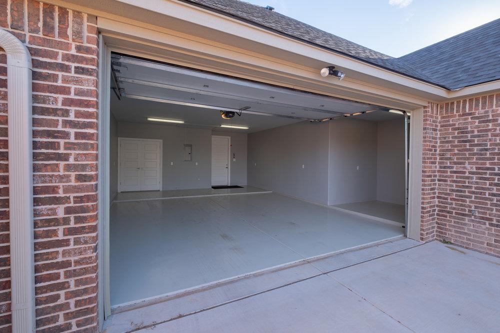 Garage Inside-3.jpg