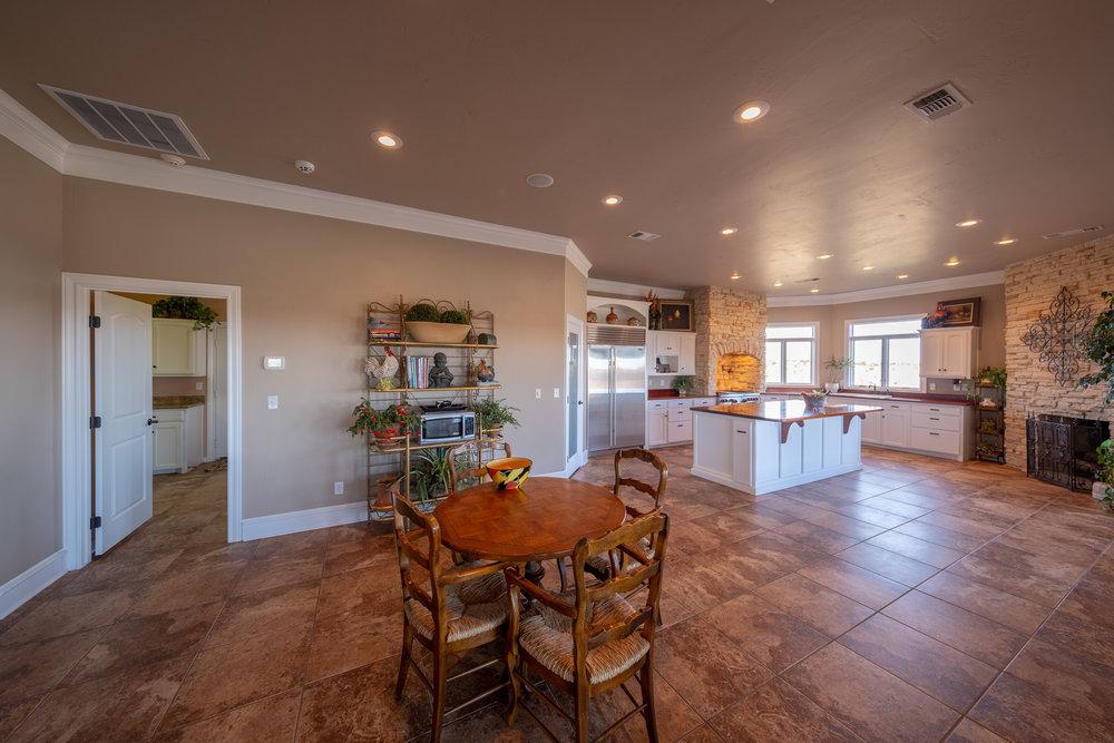 Kitchen Area-1.jpg