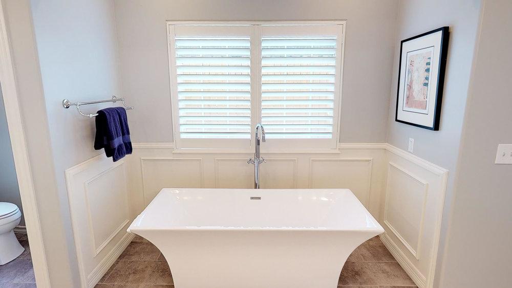4502-Ashville-Place-Amarillo-TX-79119-Master-Bathroom.jpg