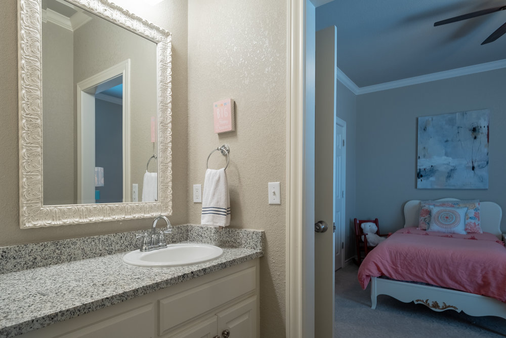 Bathroom 4-3.jpg