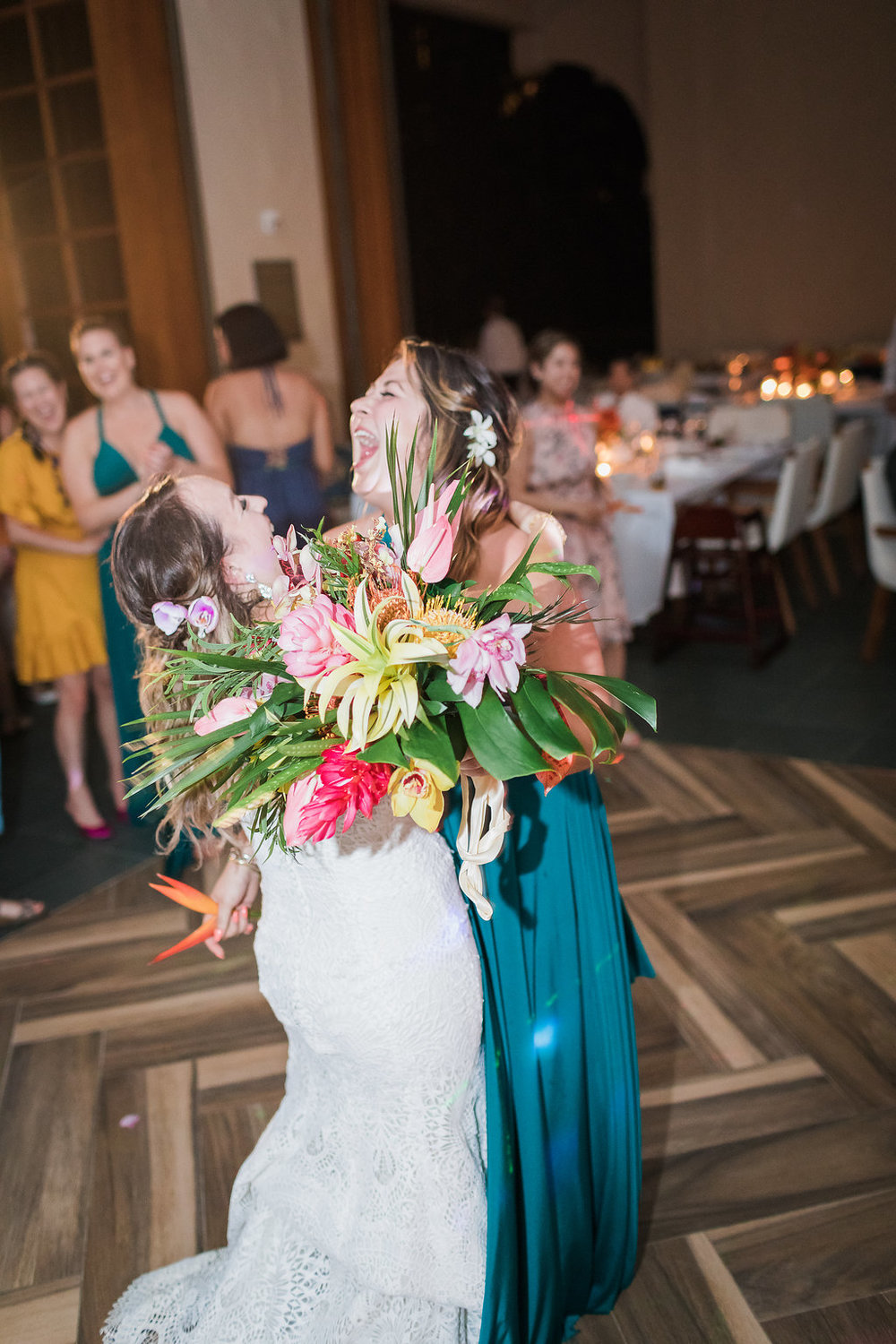 tropical-wedding-bouquet.jpg