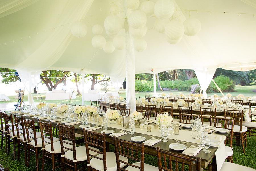 waimea-plantation-cottages-tables.jpg