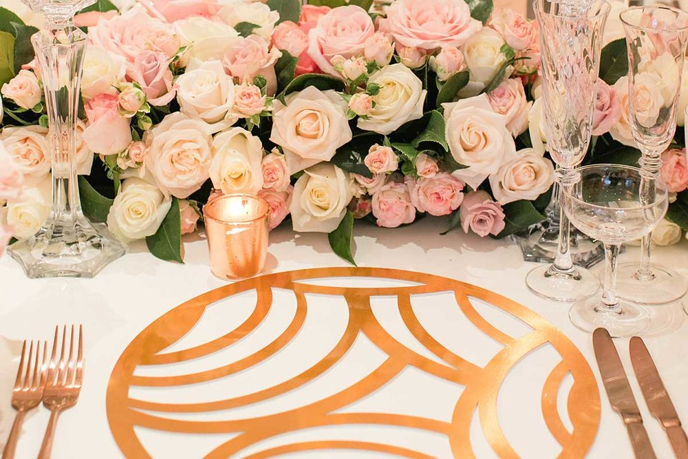 Gold show plate with pink and white roses