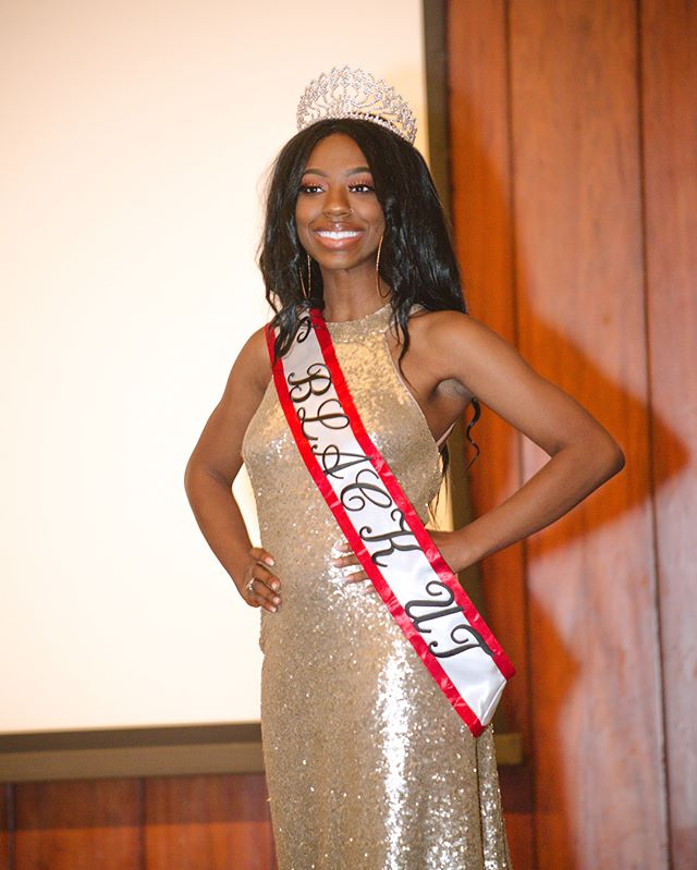 As we close out the school year, the Iota Delta chapter would like to introduce Miss Kiona Clarke, your new Miss BLACK University of Texas, who will be gracing the UT community with an amazing event in the upcoming school year! We would also like to thank all of our wonderful contestants and their supporters who made this year's pageant so great.