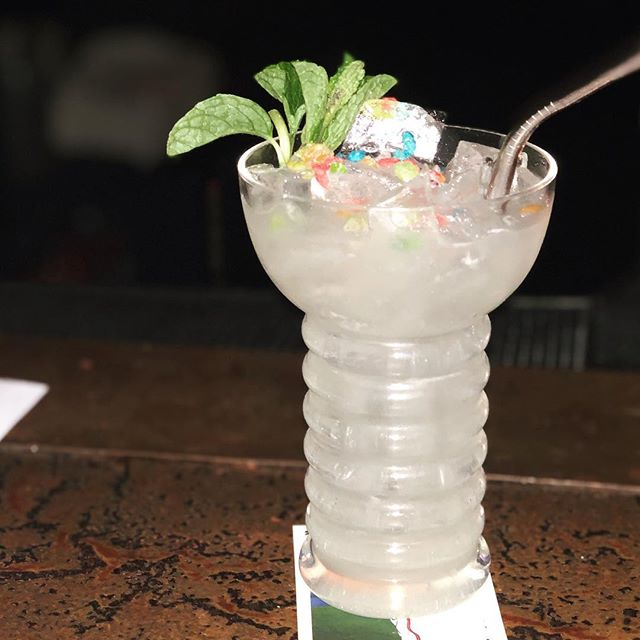 Cachaca, rum, coconut, lemongrass, and fruity pebbles milk wash (and garnish, of course) 😍🙄😍 #cocktails #bar #studiocity #fruitypebbles 😍