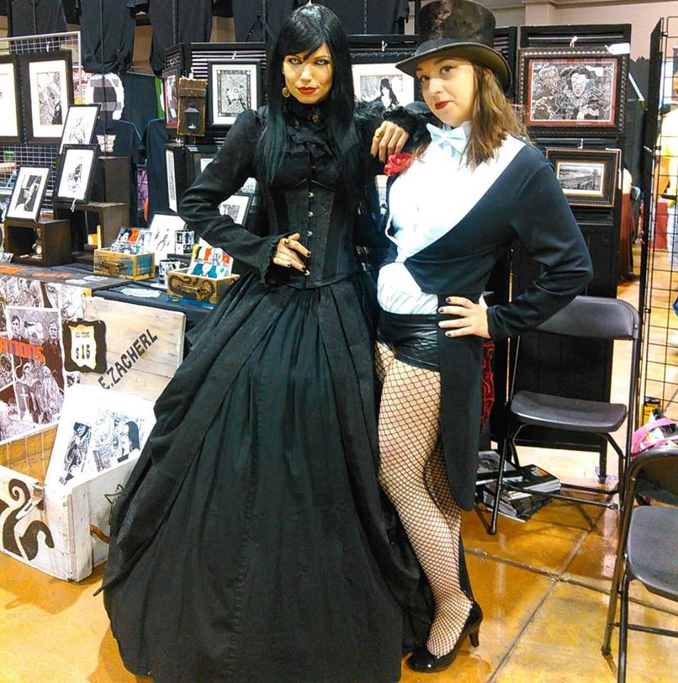 - A huge THANK YOU to the bad@$$ neighbors that stood the floor with me. And of course my friends Melissa (Magpie) & Timikia (Zatanna) who kept me SANE throughout the Con.