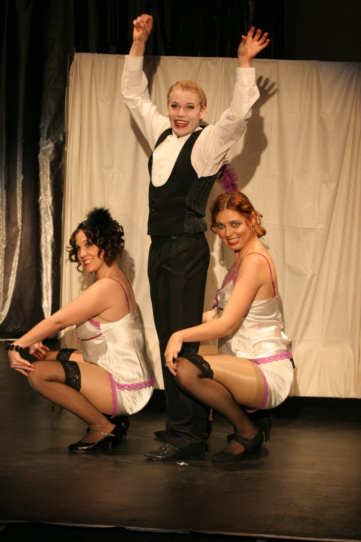 Cabaret 325.jpg